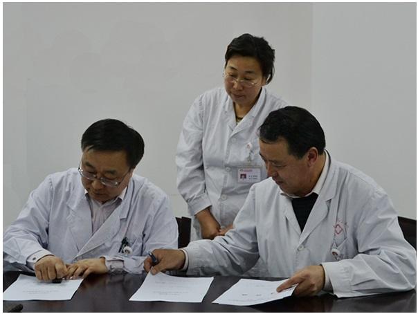 我会举行2012年学会综合任期目标管理、行业作风建设工作等签状会